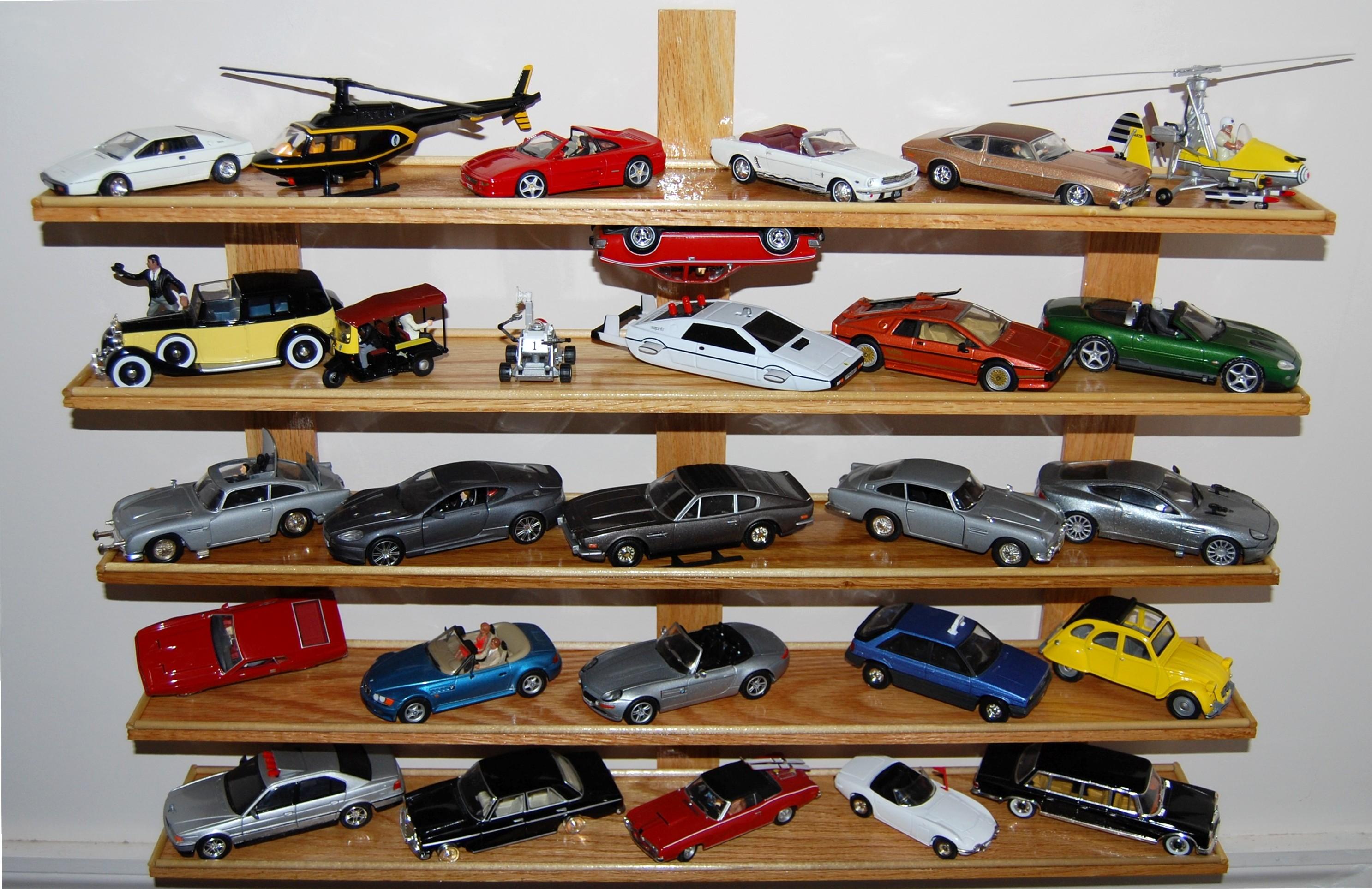 Bond Cars 12 18 08 030